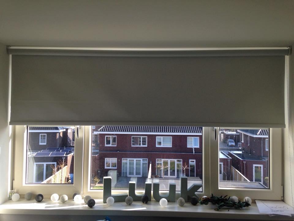 In Borne zijn we klaar….. ook de raambekleding hangt.